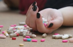 For every hour of lost sleep, teens become more likely to commit suicide and take drugs